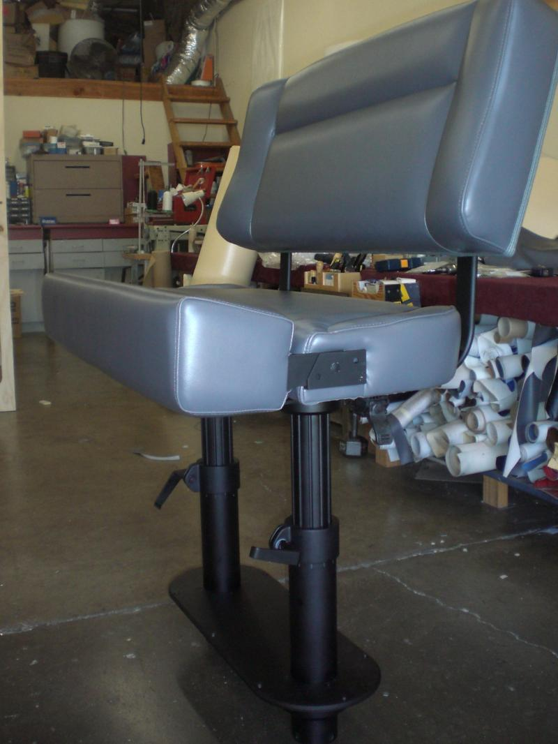 Double Wide Helm Seat